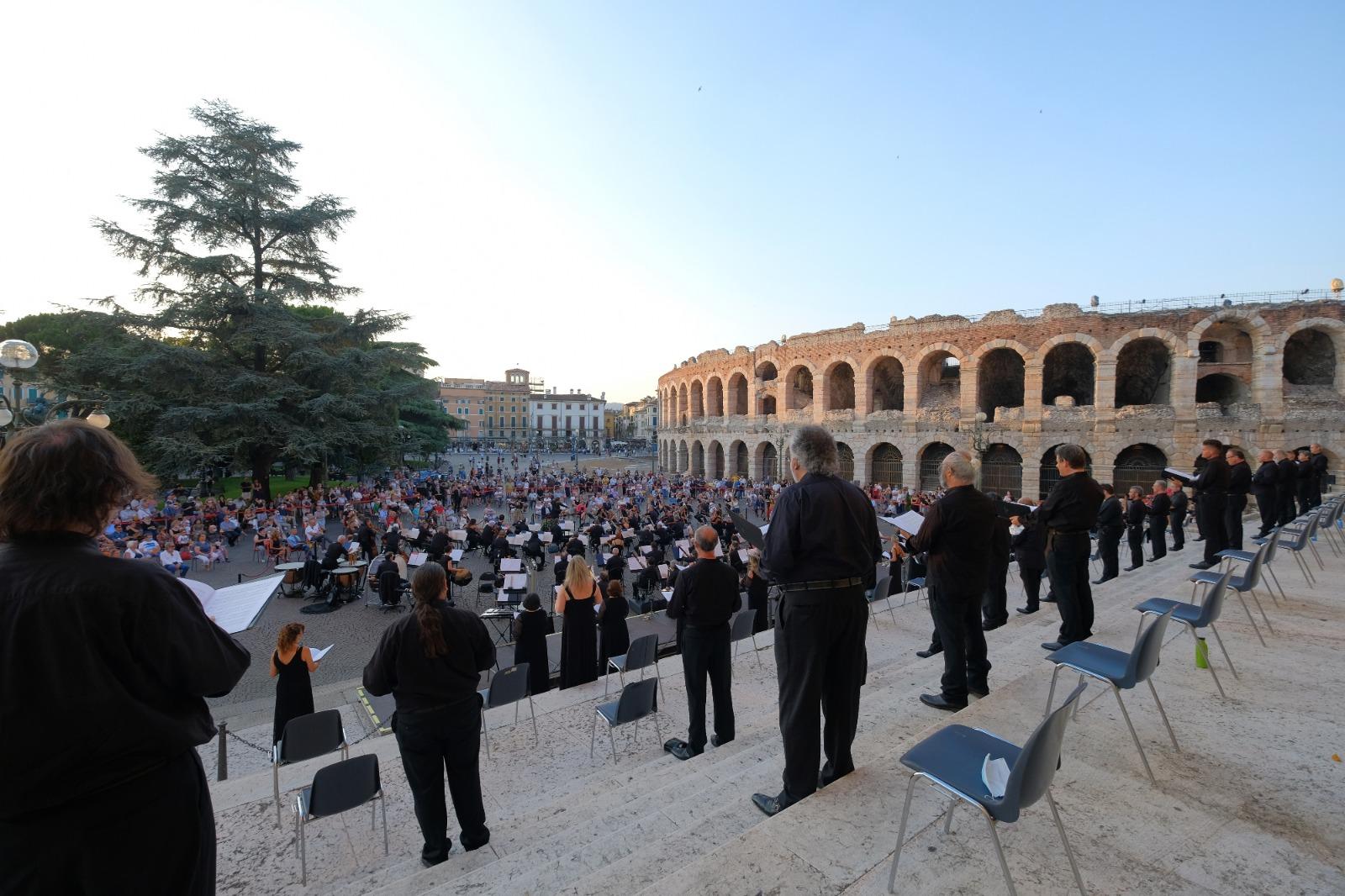 Concerto straordinario ad ingresso libero in Piazza Bra